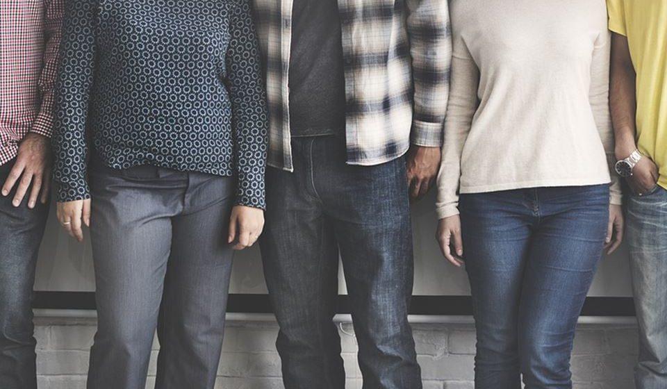 Redefinição da identidade - Os consumidores estão a afastar-se das rígidas definições de raça, género e sexualidade, estando a surgir um movimento em direção a identidades mais fluidas e auto-selecionadas. Mas à medida que o movimento cresce, sentimentos crescentes de solidão e isolamento fazem as pessoas sentirem que estão, de facto, a perder a sua identidade.