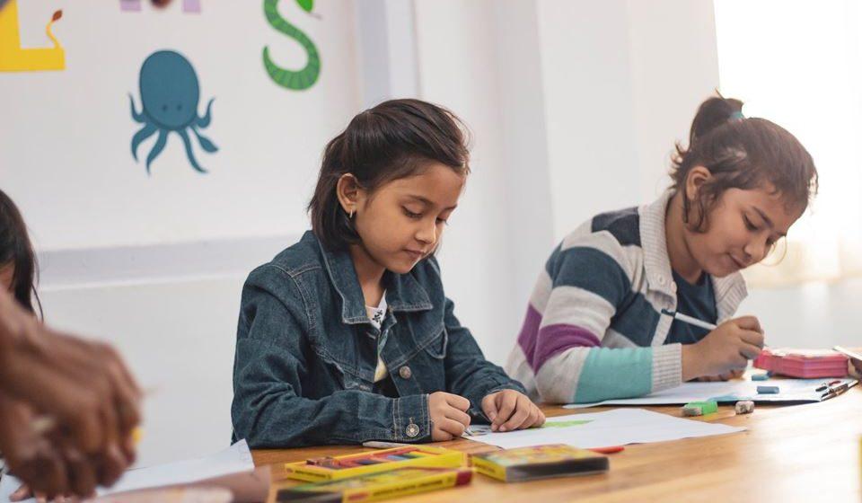 Obter feedback regular por parte dos professores sobre o comportamento e vida social do jovem.
