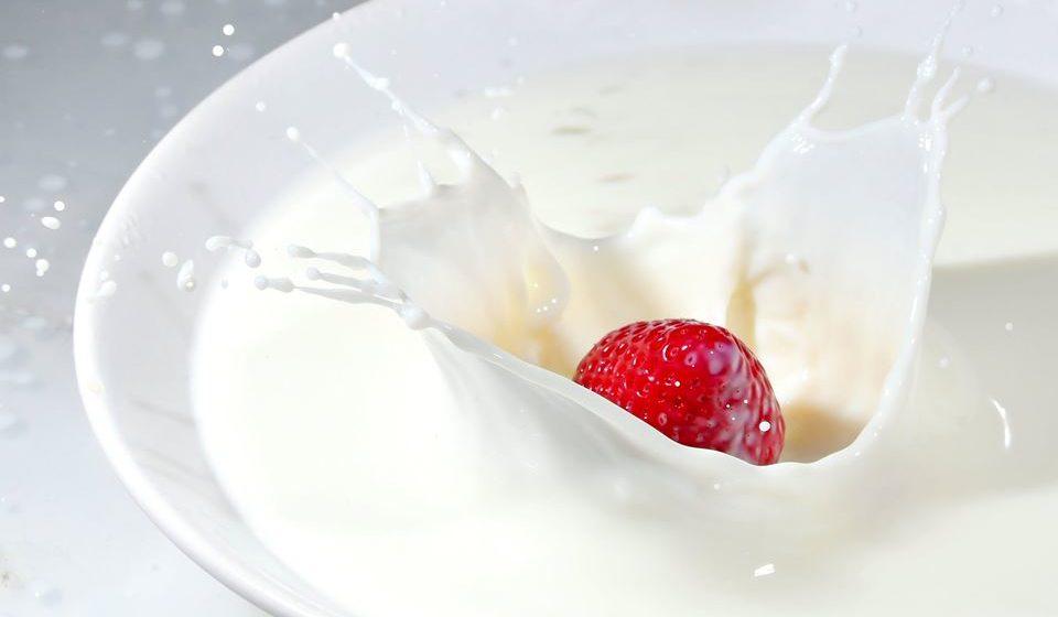 Nos doces em que o leite é utilizado, escolher leite magro em vez do gordo e meio-gordo. Na opção vegetariana, utilizar leites vegetais sem adições de açúcar.