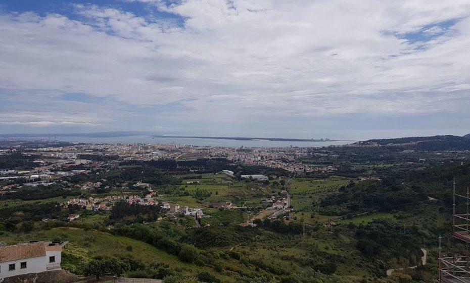 Vista sobre Setúbal e o estuário do Sado