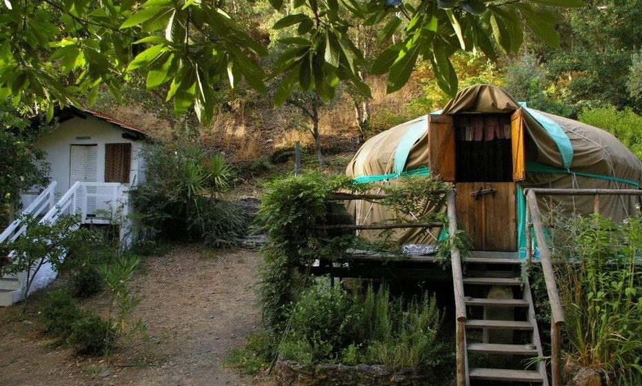 Yurt Holiday Portugal (Celavisa, Arganil): Os yurts estão completamente fundidos com a natureza, para tornar o espaço mais equilibrado e harmonioso.