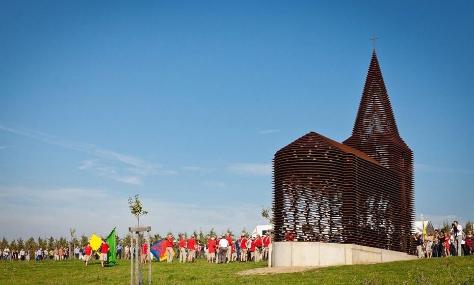 Um dos objetivos do conceito é chamar a atenção para o número de igrejas abandonadas na região. (Fotos: Z33)