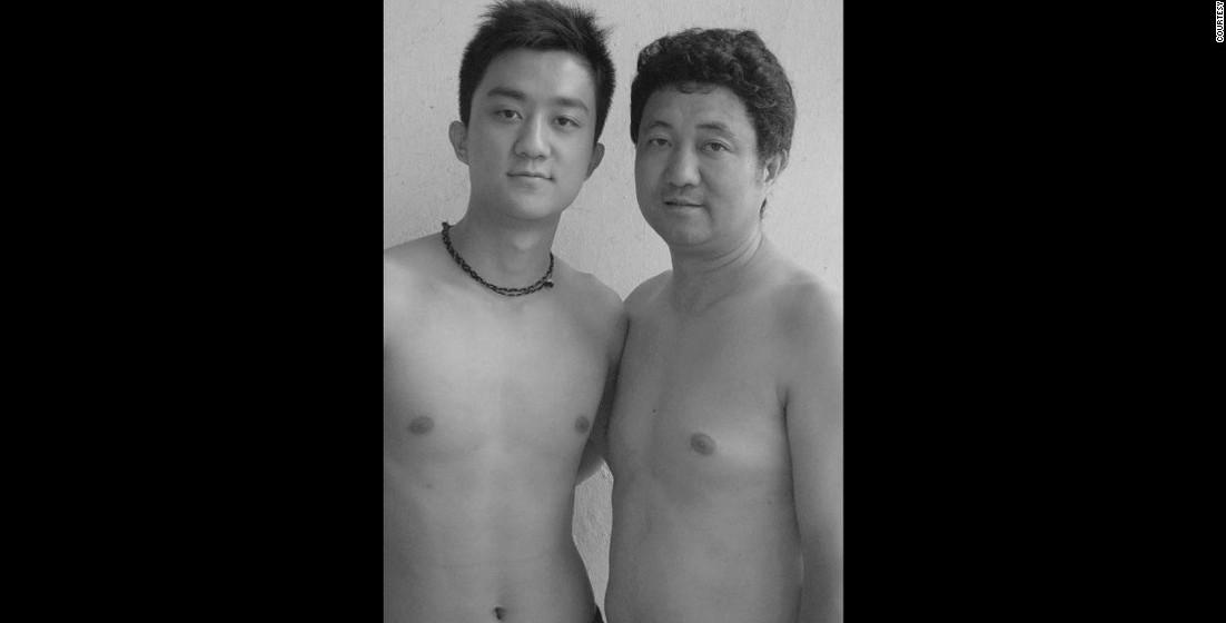 2006: Tian Li celebra 20 anos e o seu pai tem 47.