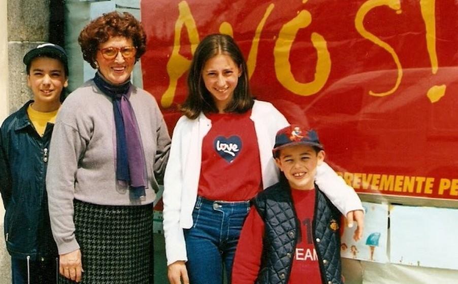 Em 1993, um decreto da Assembleia da República tornou oficial que 26 de julho seria o Dia Nacional dos Avós. No entanto, por detrás desta resolução está a luta de 16 anos de Ana Elisa Couto, mentora deste dia.