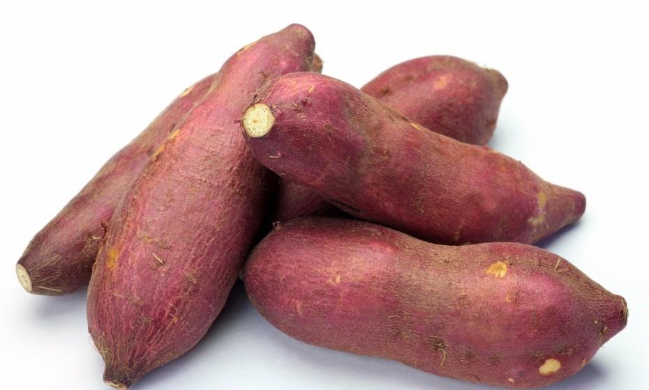 Batatas doces: São idênticas ao pâncreas e, de facto, equilibram o índice glicémico de diabéticos. Além disso, batata doce é um hidrato de carbono complexo de baixo índice glicémico, o que significa que a sua absorção é mais lenta, libertando glicose na corrente sanguínea aos poucos e sem estimular muito a hormona insulina (responsável pelo aumento da fome e pela acumulação de gorduras).