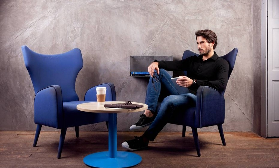 """""""De que serve um casaco novo sem o básico perfeito por baixo?"""" Esta é a questão lançada por Hélder Rodrigues, criador da marca portuguesa de básicos de luxo exclusivamente para homens. Conheça a blankpage."""