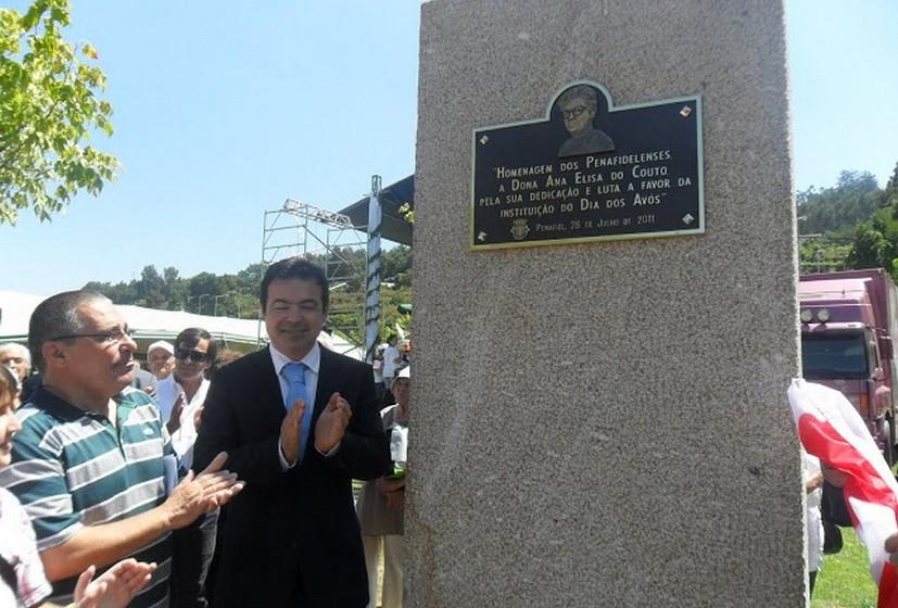 No Parque da Cidade, foi inaugurada em 2011 uma estátua de homenagem a Ana Elisa Couto.