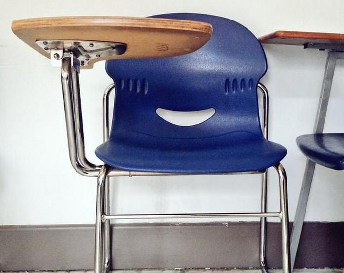 ...ou na cadeira da escola.