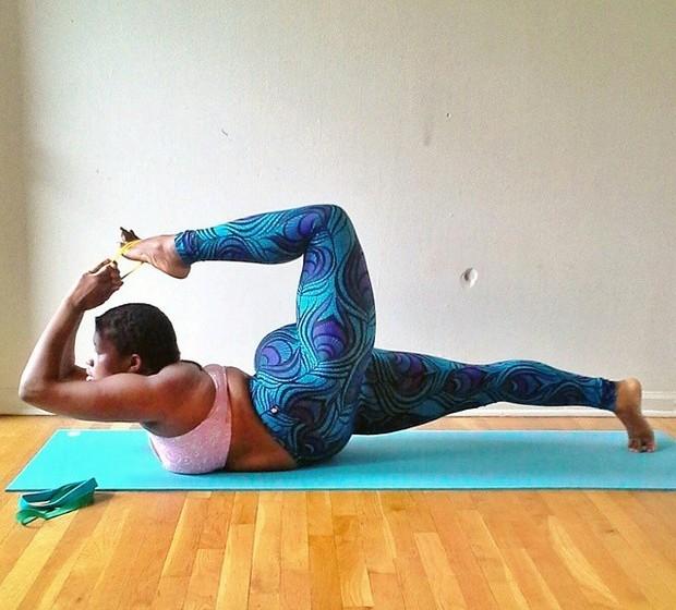 Jessamyn Stanley, de 27 anos, tem mais de 50 mil seguidores na sua conta de Instagram, onde documenta a sua evolução como praticante de ioga, enquanto combate estereótipos
