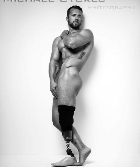 As imagens foram tão bem recebidas que Stokes fotografou outros veteranos de guerra que perderam membros do corpo.
