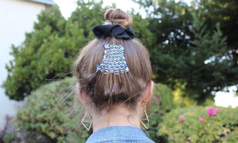 A tapeçaria de cabelos foi lançada no ano passado pelo hairstylist Alex Brownsell, que tem sido um pioneiro em tendências fora do comum, como a coloração das pontas dos cabelos em tons pouco convencionais (dip dye).