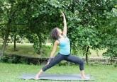 Originário da Índia, o yoga é uma prática milenar que tem cativado seguidores em todo o mundo. O objetivo é a união do homem com o supremo, através do equilíbrio entre o corpo e a mente. A professora Bebé mostrou-nos várias asanas, ou posturas, explicando os benefícios de cada uma.