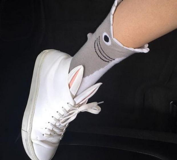 Cara Delenvigne: A modelo mostra a sua irreverência até na escolha do calçado.