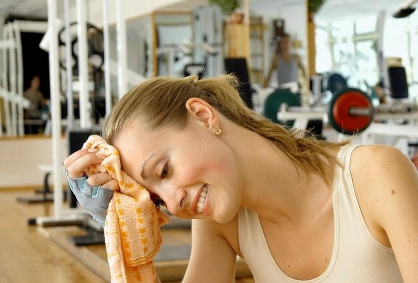 Faça exercício físico. Canse-se. Não como a extenuação física para afastar pensamentos sombrios.