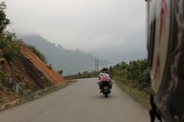 Uma jornalista portuguesa percorreu o Vietname de mota e conta como foi