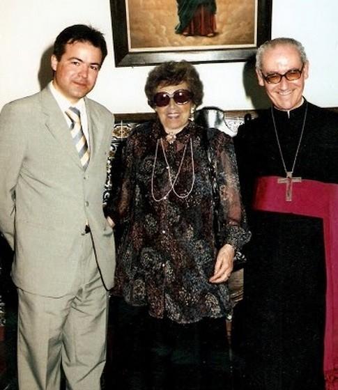 O então Presidente da Câmara Municipal de Penafiel, Alberto Santos, e o Bispo Auxiliar do Porto foram dois apoiantes da causa do Dia dos Avós.