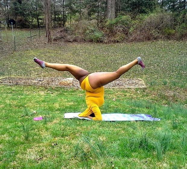 A yogi admite receber alguns comentários negativos no Instagram mas estes têm vindo a diminuir, em parte porque ela simplesmente escolhe ignorá-los. Jessamyn explica que não quer saber como parece ser nas fotos do Instagram e foca-se apenas em melhorar a sua técnica.