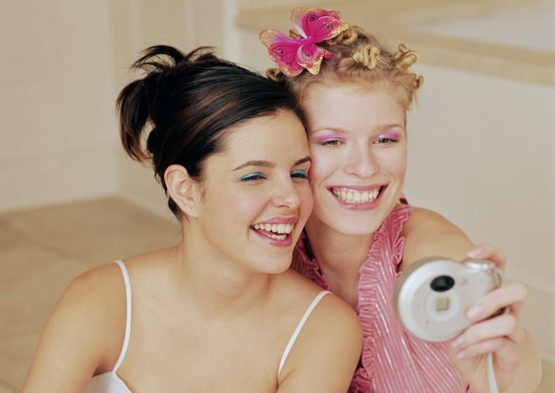 Treine e divirta-se porque, no final do dia, é maquilhagem e sai com água e sabão!