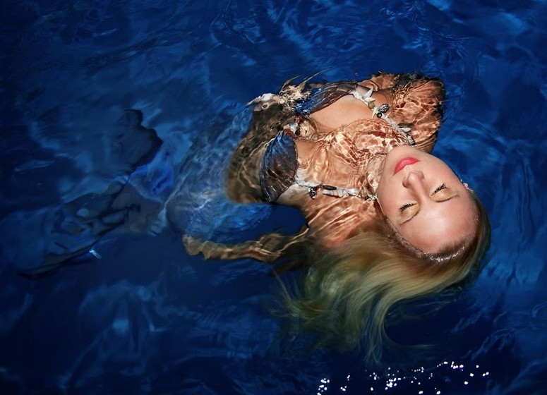 Com o passar dos anos e muito treino, Melissa subiu este tempo para cinco minutos, o seu recorde pessoal. Em 2005 a jovem começou a trabalhar como mergulhadora livre profissional e, aos poucos, foi fazendo trabalhos no papel de sereia.