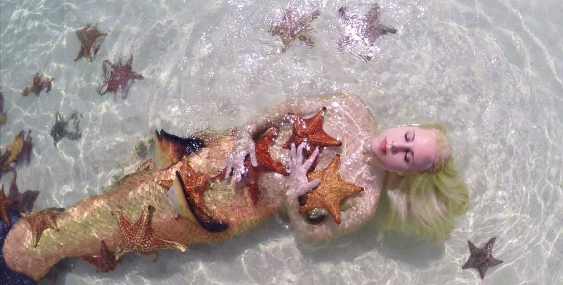 Mermaid Melissa é uma americana de 26 anos, que vive há dez anos a trabalhar como sereia profissional. Veja as incríveis fotos desta sereia da vida real.
