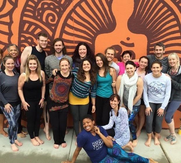 Jessamyn fez entretanto o curso de instrutora de ioga e começou a dar aulas. Apesar de admitir estar relutante de início, por achar que há demasiados professores da modalidade, foi o carinho e incentivo dos seus seguidores que a animaram.