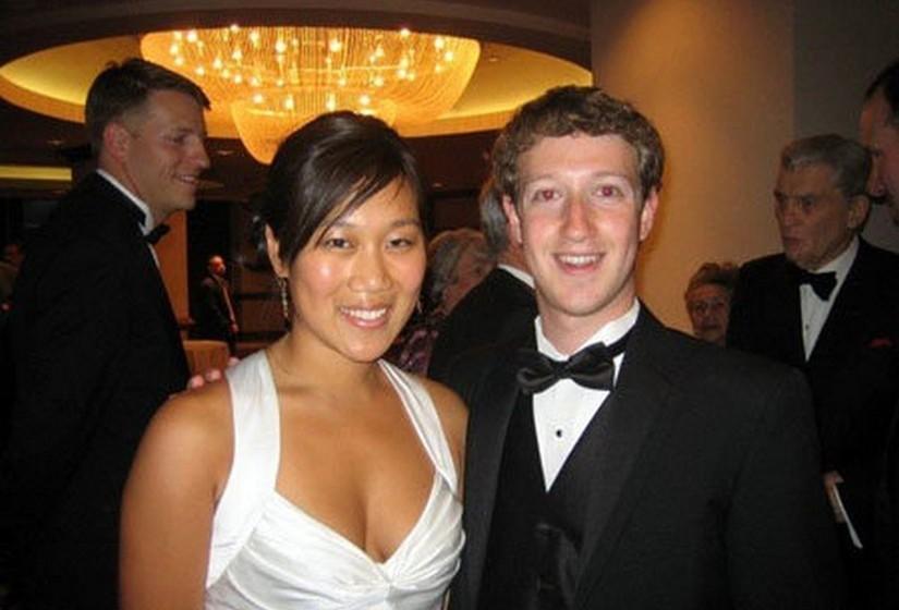 Mark Zuckerberg e Priscilla Chan (34 biliões de euros): O mais jovem casal da lista e também aquele que recolheu a fortuna mais rapidamente. Zuckerberg é o famoso fundador da rede social Facebook, que fundou há cerca de uma década. Conheceu a mulher em Harvard, onde ambos estudaram. Os dois doaram recentemente cerca de 70 milhões de euros ao hospital de São Francisco. É ainda conhecido que Zuckerberg recebe o salário de apenas um dólar por mês desde abril de 2013.