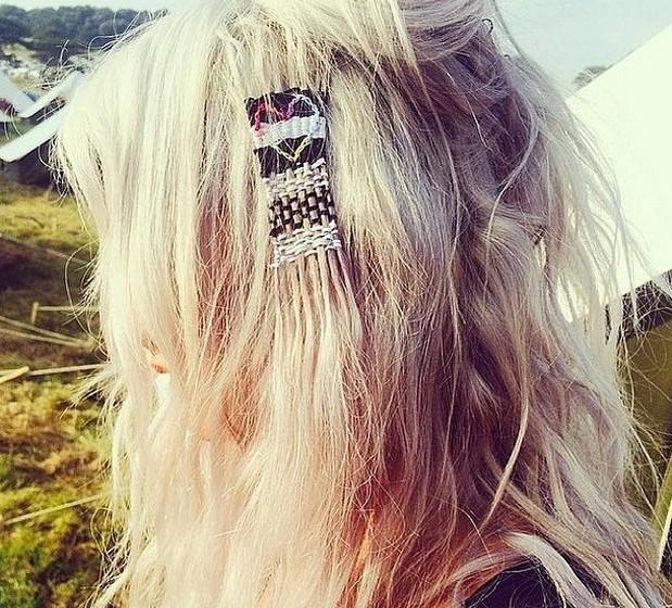 A época de festivais é, por excelência, a altura do estilo boho, ou boémio, que deriva do estilo hippie. Como tal, a nova tendência de cabelos encaixa perfeitamente neste estilo.